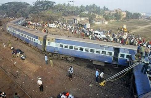 Падение поезда в штате Бихар