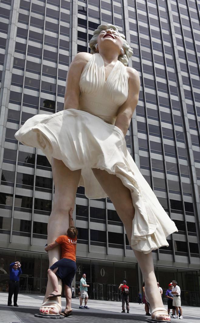 Скульптура Мэрилин Монро