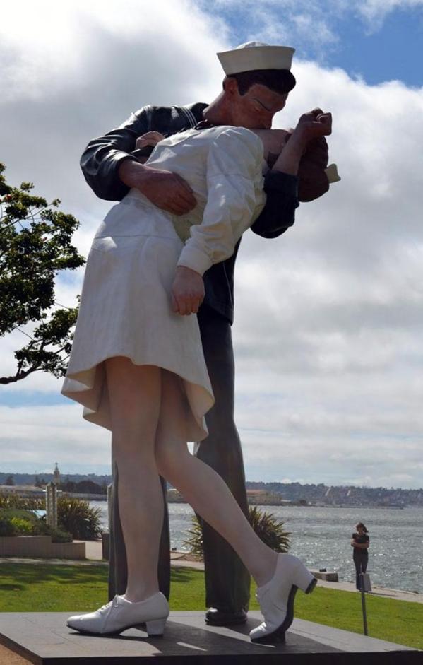 Статуя любви в Сан-Диего