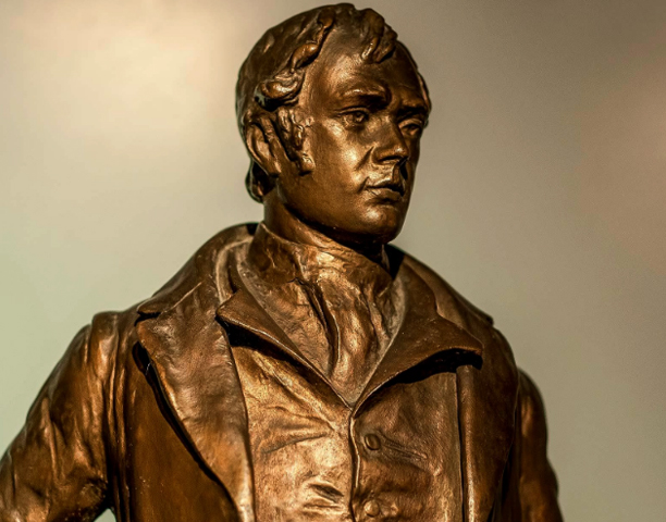Памятник Бернсу