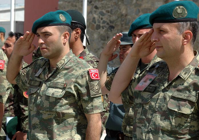 Солдаты Турции