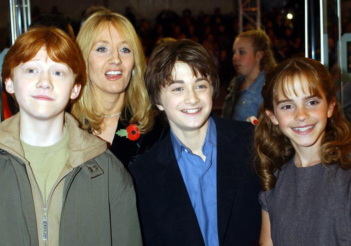 Джоан с героями фильма
