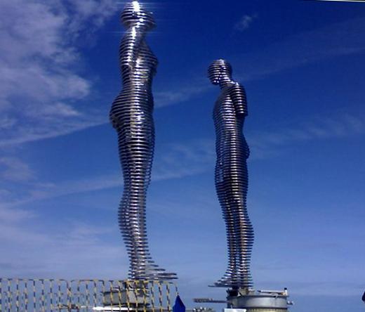 Статуя любви в Батуми