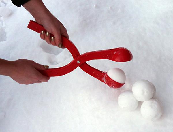 Устройство для лепки снежков