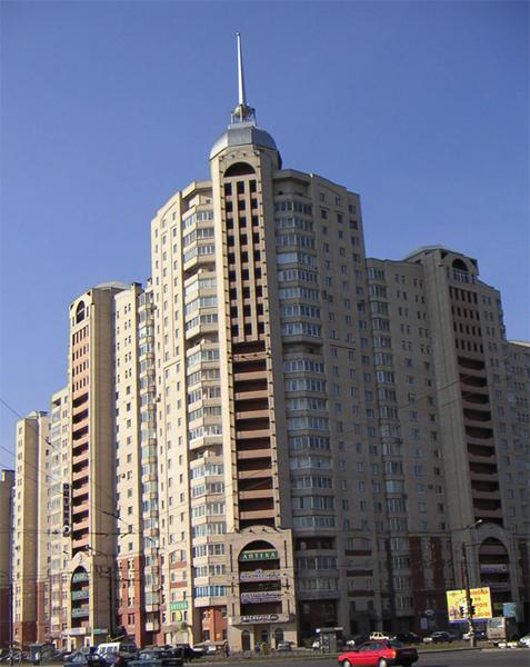 Жилое здание на Комендантском