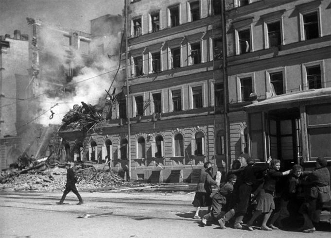 Жители блокадного Ленинграда