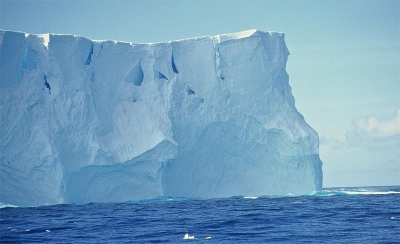 Ледник и вода