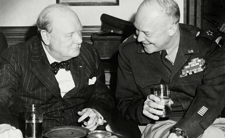 Черчилль пьет
