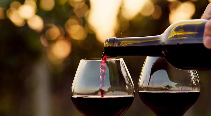 Разливание вина