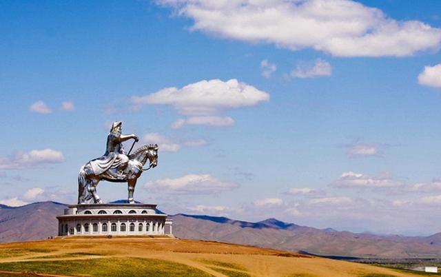 Памятник Чингисхуна