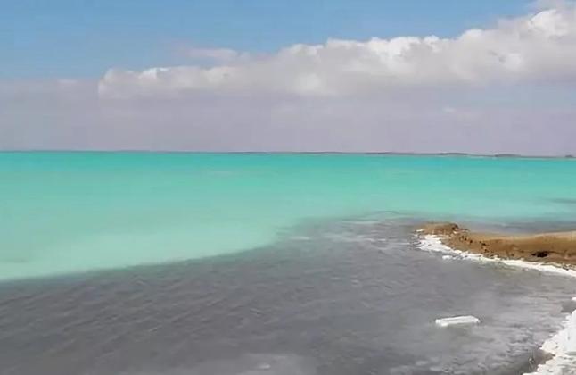 Красное озеро Асс