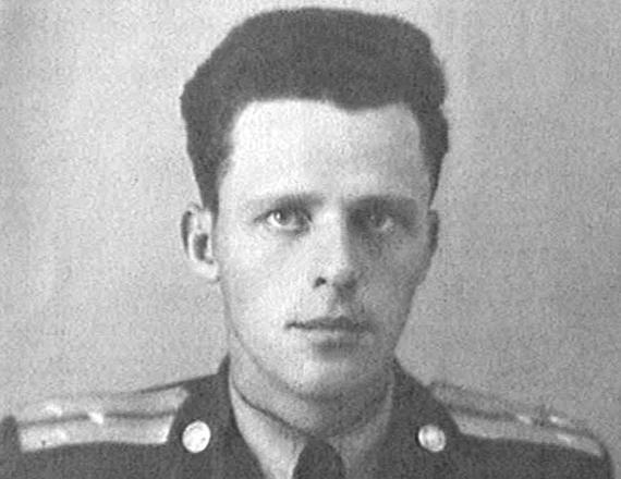 Борис Васильев в молодые годы