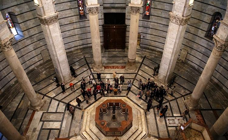 Внутри пизанской башни