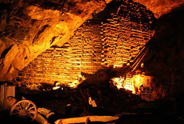 Великая шахта Фалунь