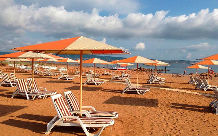 Феодосия: пляж «Алые паруса»
