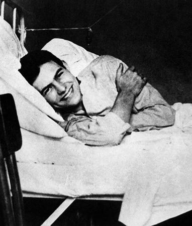 Хемингуэй в госпитале