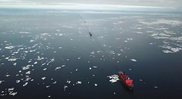 Корабли в Чукотском море