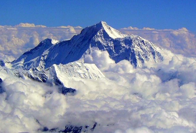 Облака у Эвереста