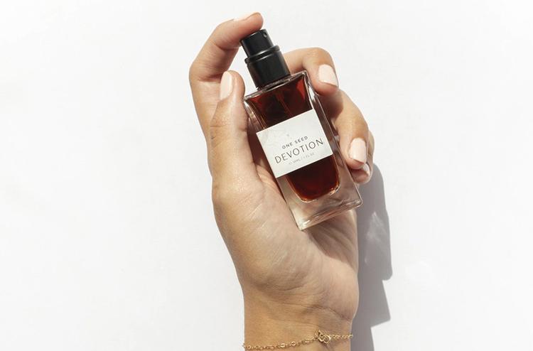 Перед использованием парфюмерии