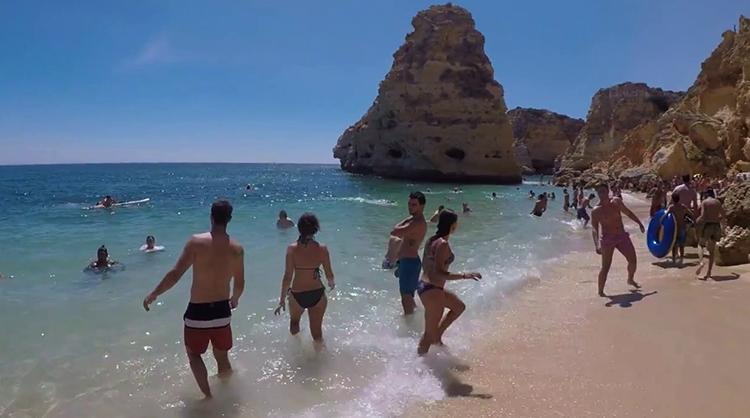 Пляж Прайя-да-Маринья