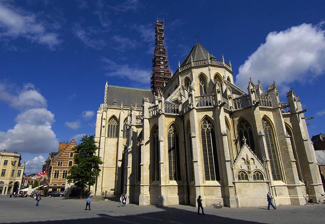 Церковь Святого Петра в Лёвене