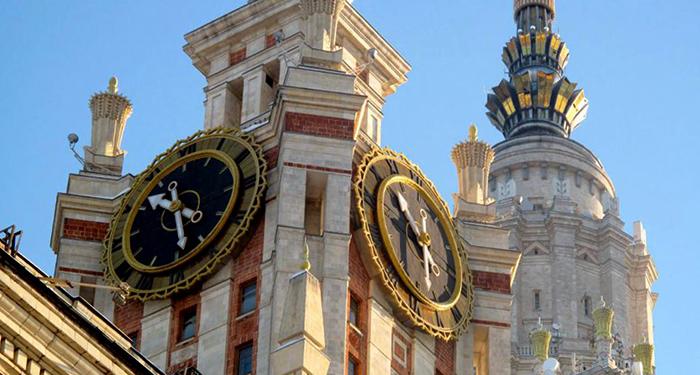 Самые большие механические часы в России