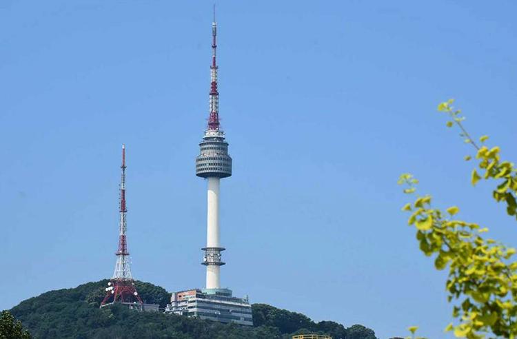 Сеульская башня (N Seoul Tower)