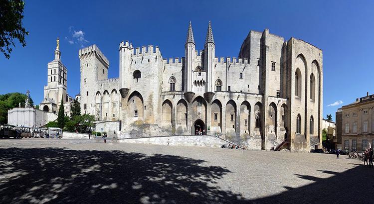 Папский дворец в Авиньоне (Palais des papes d'Avignon)