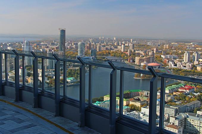 """Смотровая площадка бизнес-центра """"Высоцкий"""""""