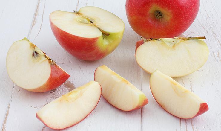 Свежее яблоко