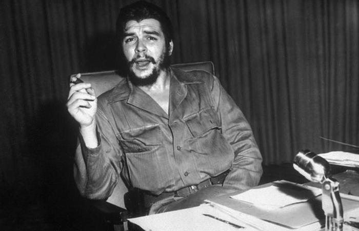 Че Гевара за работой