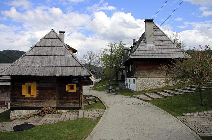 Дрвенград