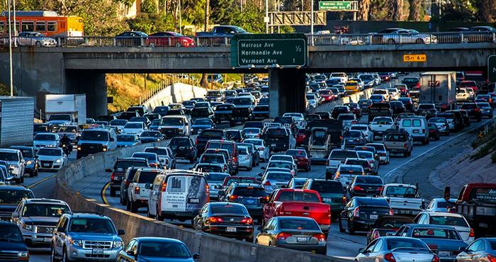 Много автомобилей