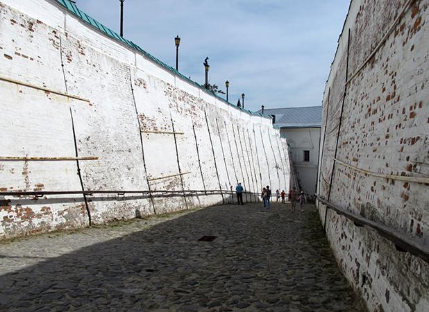 Стены Прямского ввоза