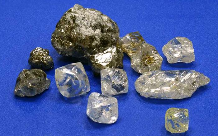 Твердые алмазы