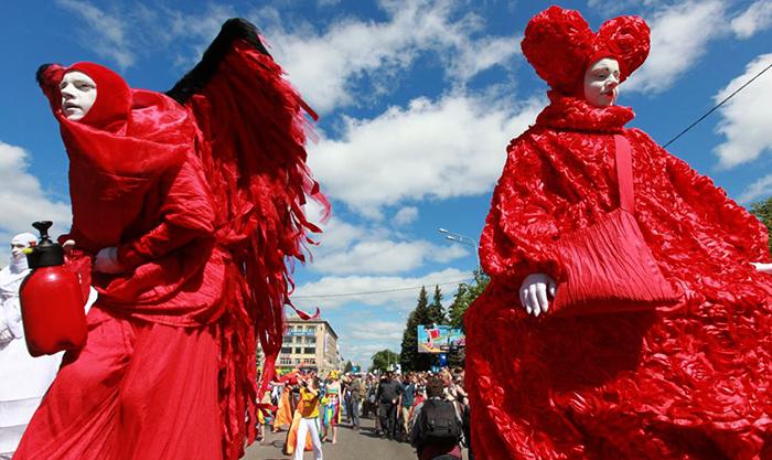 Фестиваль уличных театров
