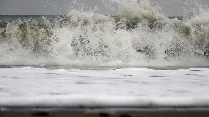 Волны на Балтийском море