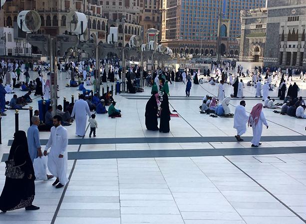 Люди в Саудовской Аравии