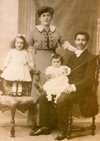 Семья Лароша