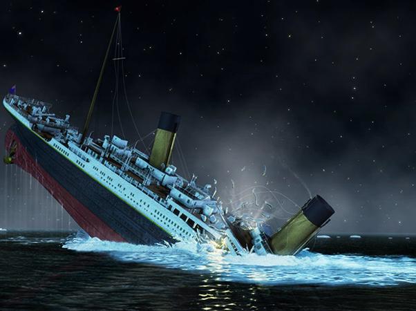 Титаник тонет